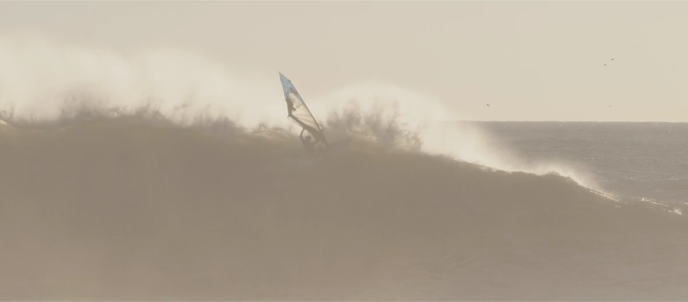 Tomas Traversa's Windsurf  Project – Nazarè